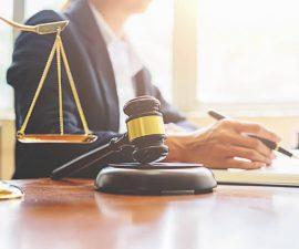 Dlaczego warto korzystać z usług notarialnych?